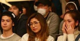 宮城大樹の引退試合を観戦中の筧美和子.jpg